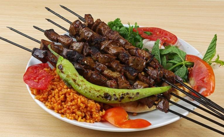 listImage 1553872862 6b8fa2f94c083b4d54898df9f16f2410 - شيش الكبدة اكلة من المطبخ الكردي في تركيا