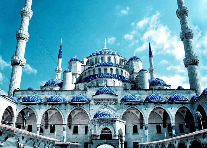 """الازرق بإسطنبول - خطبة الجمعة في تركيا بعنوان  """" المسجد والحياة """""""