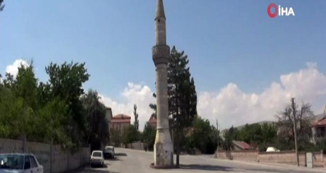 مئذنة بدون مسجد في اكسراي