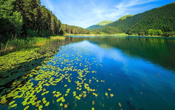 2 10 - بحيرة أبانت في بولو .. من أجمل بحيرات العالم