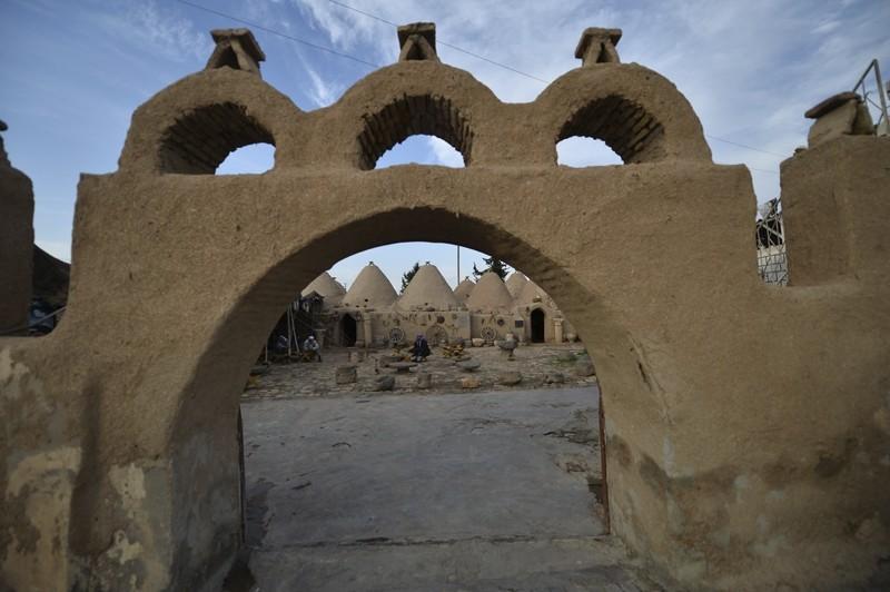 0x0 1478083612214 - مدينة حران التركية ذات المنازل المخروطية
