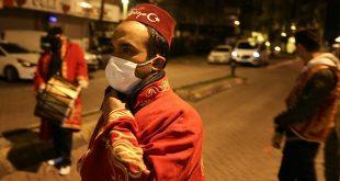 resized 8f19a 1142 ar picture 20200424 21341639 21341642 310x165 - بالصور : المسحراتيون يجوبون شوارع إسطنبول بالكمامات