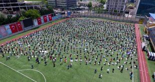 10 haftalik cuma namazi hasreti sona erdi 13270692 8936 m 310x165 - بالفيديو : المواطنون يؤدون صلاة الجمعة في ملعب بإسطنبول