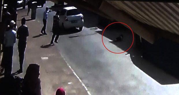 5ed13a7167b0a902904fdbb3 620x330 - بالفيديو : نجاة طفلة سورية من الموت المحقق في غازي عنتاب