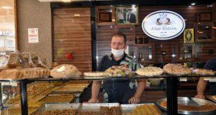 6ab7f3ff64bddbeb543d8f591fc03ee5 1 310x165 - بالصور : سوري يحيي تراث الحلويات الخاصة ببلاده في هاتاي  .. زبائنه أتراك