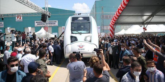 اول قطار كهربائي محلي الصنع في تركيا 660x330 - تركيا تجري اختبار لأول قطار كهربائي محلي الصنع مئة بالمئة