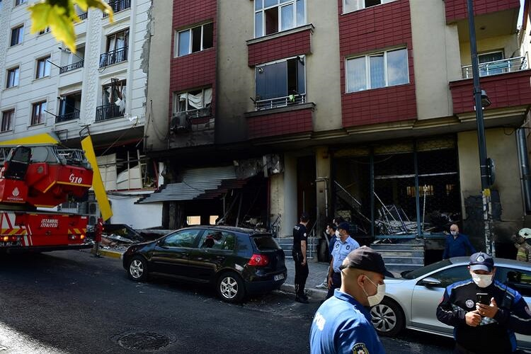 في ورشة النسيج 2 - بالفيديو والصور : انفجار ورشة في ولاية اسطنبول ..وفاة شخص أجنبي وإصابة 10