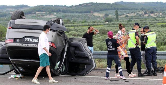 علي شان يتعرض لحادث سير 640x330 - نجاة فنان تركي مشهور وعائلته من الموت بإعجوبة في حادث سير