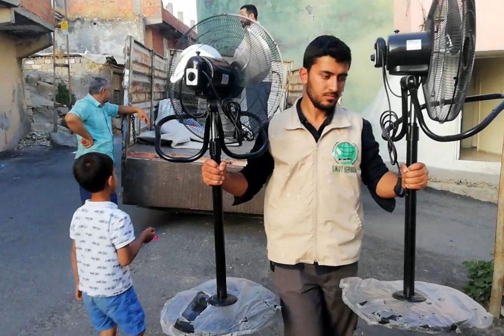 4cb5b3befb9cfe0e2a70 1024x682 - جمعية تركية تقدم كامل مستلزمات المنزل لعائلة سورية في ولاية دياربكر ( صور )