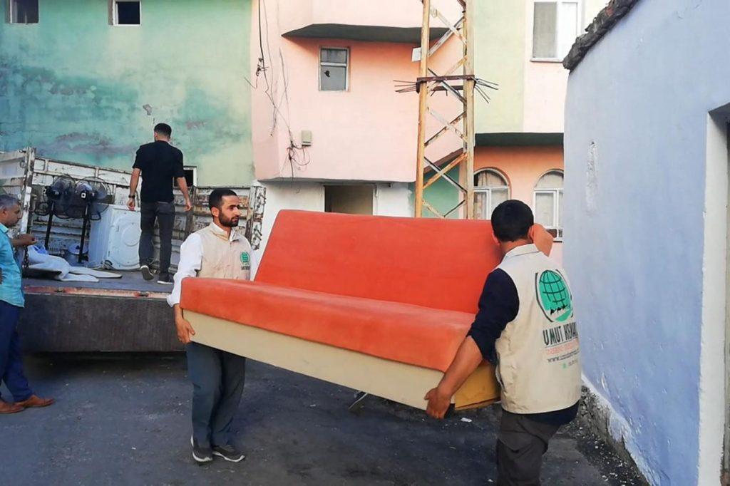 6651660e36329b9c541b 1024x682 - جمعية تركية تقدم كامل مستلزمات المنزل لعائلة سورية في ولاية دياربكر ( صور )