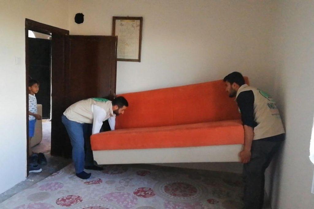 9e4aea7bf3e557516408 1024x682 - جمعية تركية تقدم كامل مستلزمات المنزل لعائلة سورية في ولاية دياربكر ( صور )