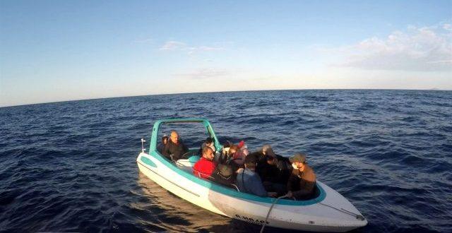 antalya da denizde mahsur kalan 14 siginmaci 12755061 o 640x330 - انقاذ 14 لاجئاً سورياً حوصروا في البحر بولاية انطاليا
