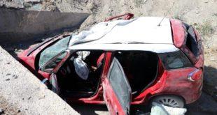otomobil sarampole devrildi ayni aileden 3 olu 13427036 770 m 310x165 - السيارة تحولت إلى خردة .. وفاة 3 أشخاص من عائلة واحدة في حادث سير بأنقرة